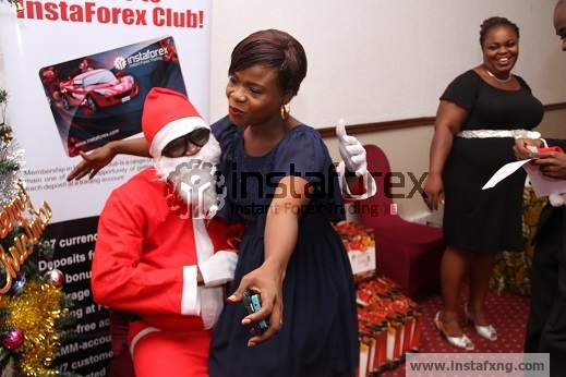 Forex Instafxng santa shares gifts and love