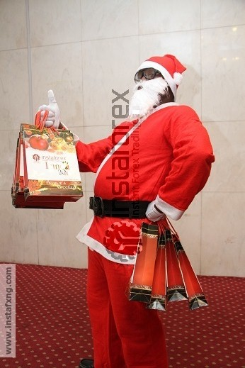 InstaFxng Santa Clause ready to give out gifts